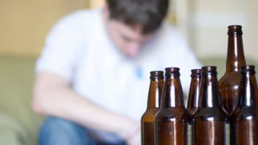 4 Signs You Might Be Allergic to Alcohol